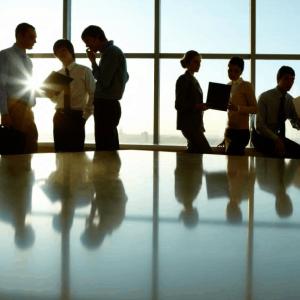 business_people_meetingroom_neugross